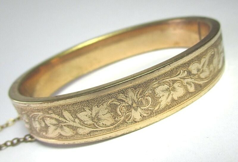 """Victorian Gold Plate Engraved Hinged Cuff Bracelet 20.9 grams 7 1/8"""""""