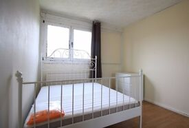 Rooms are available to rent in this 4-bedroom flatshare in Tower Hamlets