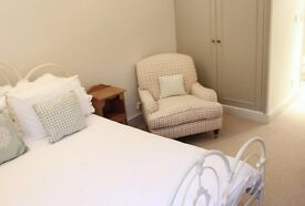 Gorgeous Room for Rent for Workers Only in a Chic 2 Bedroom House in Kensington