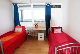 Twin room next Tower Bridge ! 07706814372