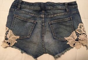 Ladies shorts in great condition  St. John's Newfoundland image 8