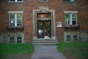 Chambre près de HEC - UDM - Polytechnique - Hopital St- Justine