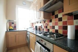 Stunning 3 bed apartment in Oval with 2 bathrooms near station!