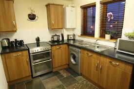 Short Term 2 Bedroom Flat Prime Location.