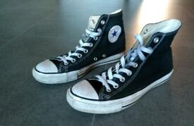 Converse High Tops- size 7.5