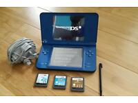Nintendo DSI XL + charger, stylus and 3 games.