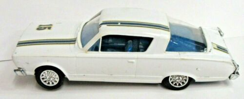 Strombecker 1966 PLYMOUTH BARRACUDA white 1:32 slot car s1