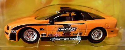 JADA 02 2002 CHEVY CAMARO BIGTIME MUSCLE CAR RACE STYLE CHEVROLET COLLECTIBLE ()