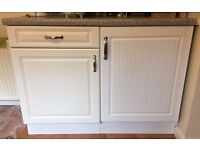 KITCHEN UNITS IN WHITE WITH DOORS HANDLES SHELVES, HOB AND OVEN, WORKTOP TAP SINK EVERYTHING £299