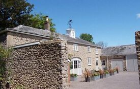 Beautiful 2 bed cottage, ensuites, wonderful setting, fully furn., parking, 6 months could be longer
