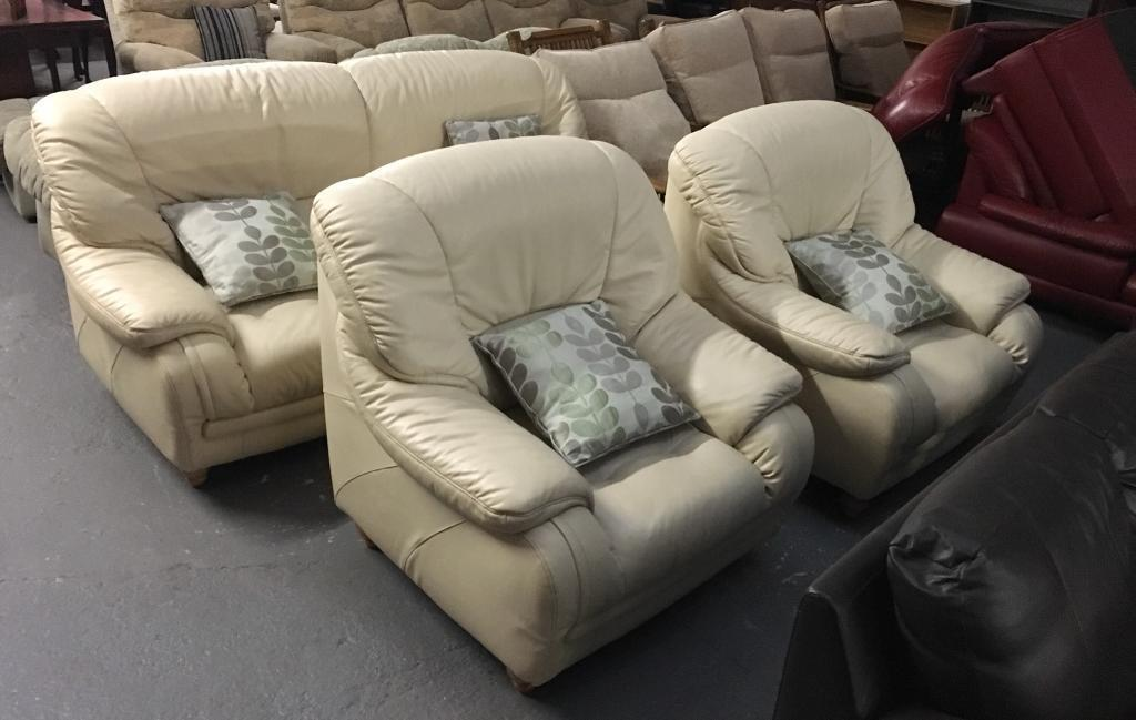 ** CREAM LEATHER 3+1+1 SUITE - CAN DELIVER