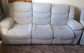 3 seater electric recliner sofa silver fabric perfect 8 months old grayson oak furnitureland