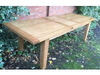 Large Solid Oak Extending Dining Table, 10 Seater, Excellent.