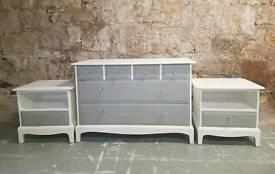 Stag Minstrel bedroom set/chest of drawers/bedsides