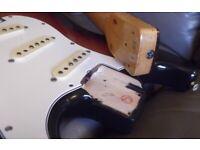 Fender JV Stratocaster Squier ST-62 Japan Vintage 1982. 3T Sunburst & Tweed case