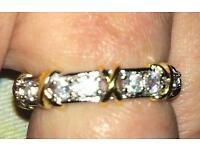 Beautiful 14 authentic white sapphire and 9ct gold ring