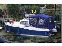 Hunter Landau 20 Motor Boat Cabin Cruiser Trailer Mooring Thames Reading