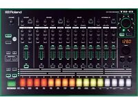 Roland TR 8 Drum Machine with 7x7 expansion pack as new in box