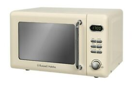 Brand new Russell Hobbs 17L Retro Digital Microwave - Cream RRP£ 94.99 OUR PRICE £52.99