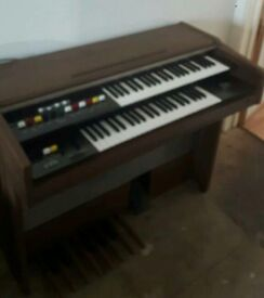 Yamaha Electone BK-5 Organ