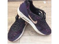 Women's Nike air max SIZE 7