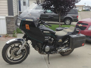 Honda VF750 Sabre with active registration Edmonton Edmonton Area image 1
