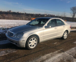 2003 Mercedes C320 - LOW 99,995 kms - 6 Speed Standard