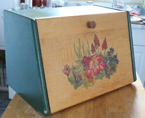 Vintage Wooden Breadbox Bread Box / Breadbin Bin