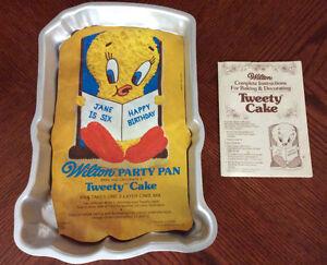 Tweety Bird Cake Pan Kingston Kingston Area image 1