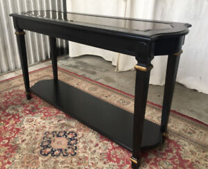 Elegant vintage sofa table/hall console, newly restored/painted