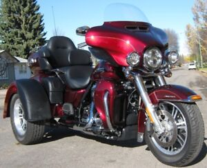 2017 Harley FLHTCUTG Milwaukee-Eight Tri Glide Ultra ONLY 1200km
