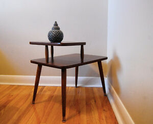 Lovely 2-tier mid-century side table