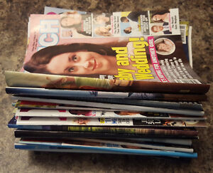 HUGE WEEKLY ENTERTAINMENT MAGAZINE LOT CURRENT ISSUES