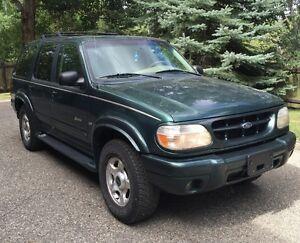 1999 Ford Explorer Limited, 5.0L V8 - Best Offer Regina Regina Area image 3