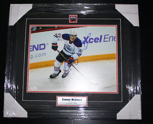 Connor McDavid Authentic Autographed 11x14 Photo Prof. Framed