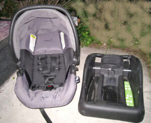 Safety 1st Infant Car Seat(from Newborn) with car base, exp 2022