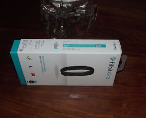 Fitbit Alta Fitness Large Wristband  Brand New Never Opened Belleville Belleville Area image 2