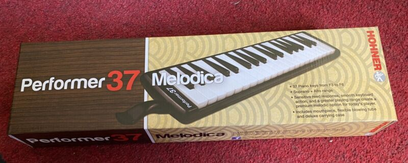 New Hohner S37 Performer 37 Melodica with Case