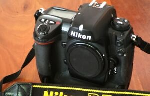 Nikon D2x Pro DSLR, 2x Batts, Charger, Strap, Manual, extras