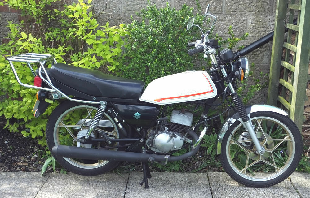 suzuki zr50 x1 50cc motorcycle for sale immaculate. Black Bedroom Furniture Sets. Home Design Ideas