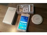 Samsung galaxy s6 (32gb)in brand new condition unlock to any sim