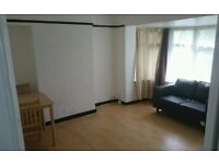 A 1 bed flat located in Greenford in a flat.