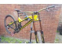 Downhill mountain bike (mondraker Summon pro)