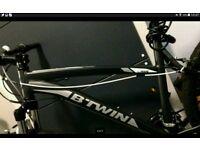 *Bargain* Rockrider 340 in Matte Black mountain bike hardly used