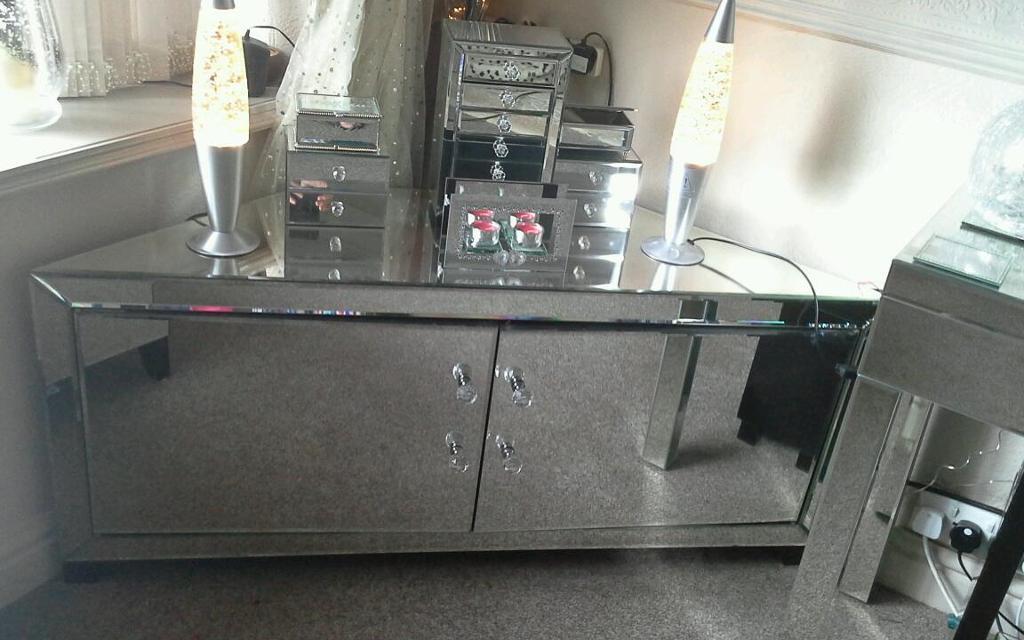 Mirrored Corner Tv Unit