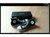 Brand new UK size 9 mens black high top converse