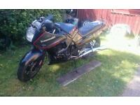 Kawasaki Gpx 750r breaking for spares