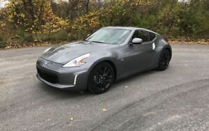 Looking to buy Nissan 370Z