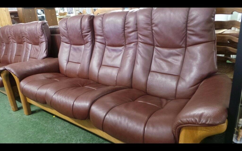 Pair 3+3 Ekornes Stressless Buckingham Leather Reclining Sofas