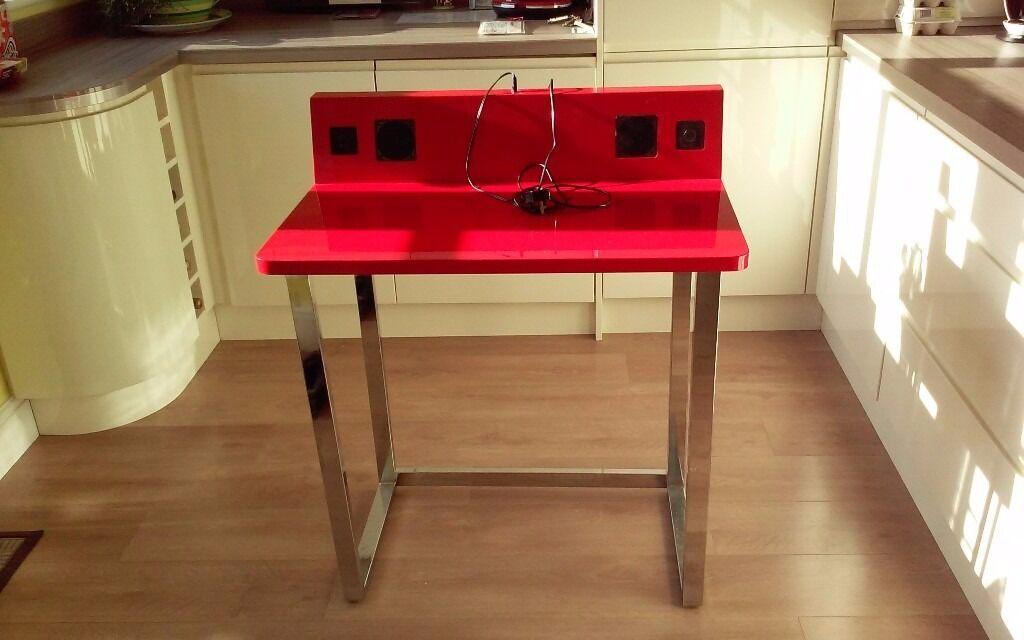 desk with speakers in woodley berkshire gumtree